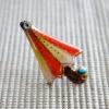 雨の日を楽しく!七宝焼ピンブローチ(ピンバッジ,ピンズ) オレンジ色のパラソル